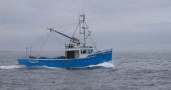 خفر السواحل يطلق النار على زوارق صيد لبنانية ويحتجز صيادين