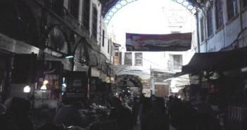 تواصل معاناة أهالي دمشق من تقنين الكهرباء والمياه