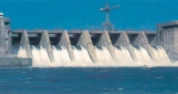 حكومة الأنبار تطالب بقصف سد الطبقة لإيصال المياه للعراق
