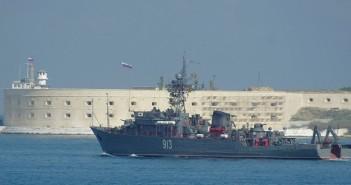 روسيا تبدأ عملية اخلاء شواطئ سوريا من الألغام.. تمهيداً للبدء باستثمار النفط و الغاز