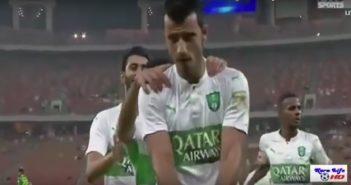 """بالفيديو: السوري عمر السومة يدخل تاريخ الكرة السعودية بـ""""سوبر هاتريك"""""""