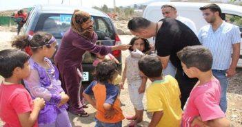 المخابرات اللبنانية تهدد وتطالب 350 عائلة سورية بالرحيل من مخيمهم