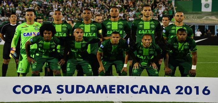 تحطم طائرة تقل 81 شخصا بينهم فريق برازيلي لكرة القدم