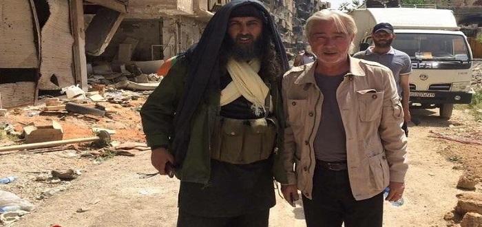 المخرج السوري نجدة أنزور: تحرير الجولان وفلسطين يبدأ من مكة