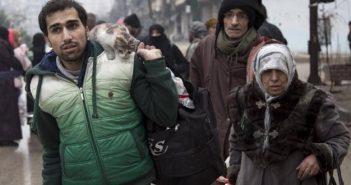 """صحف مصرية تحتفي بـ""""انتصار حلب على الإرهاب""""، وصحيفة بريطانية تعده """"انهيارا كاملا للإنسانية"""""""