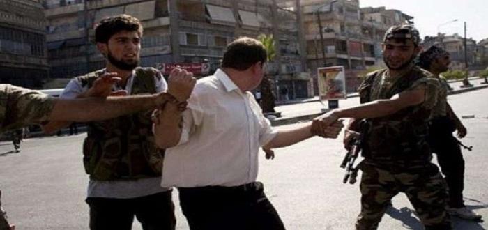 """شبح """"الخدمة الإلزامية"""" في جيش الأسد يطال 15 ألف شاب في حماة"""