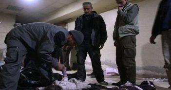 صور: أهالي الغوطة الشرقية يبحثون عن أطفالهم بين الجثث!