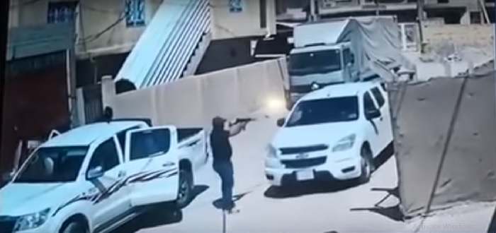 بالفيديو: شاهد لحظة اغتيال مسؤول عراقي في وضح النهار!!
