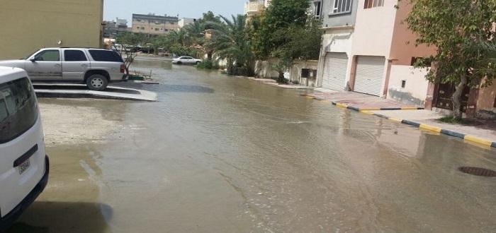 صحيفة أردنية: سبب فيضان المجاري في مدينة بالأردن هم اللاجئون السوريون..!!