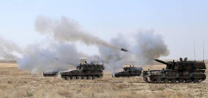 """المدفعية التركية تستهدف مواقع ميليشيا """"قسد"""" في عدة مواقع شرقي الفرات"""