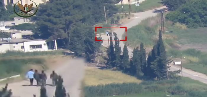 بالفيديو: شاهد تطاير جثث عناصر لقوات الأسد بصاروخ مضاد للدروع غربي حماة