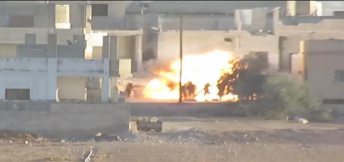 بالفيديو: مقتل مجموعة من قوات الأسد بتدمير سيارة مضاد طائرات كانوا فيها