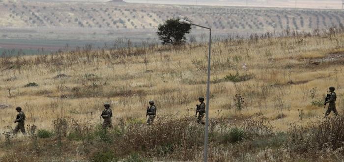 الجيش التركي يرد فورا على استهداف نقاطه في سوريا وقصف متبادل مع قوات الأسد