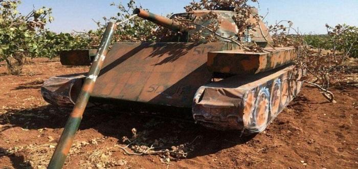 لاستنزافها ماديا.. الفصائل المقاتلة تخدع الطائرات الروسية بمجسمات للدبابات!