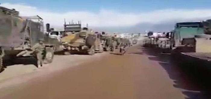 بالفيديو: رتل تركي وُصف بالأضخم متوجها إلى معسكر المسطومة جنوب إدلب